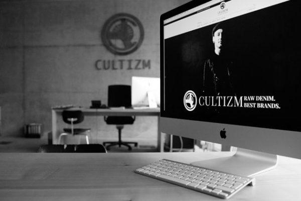 Cultizm, Online
